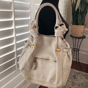 Marc Jacobs Italy Ivory Leather Shoulder Bag Flaw